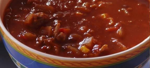 Bonensoep met pittig gehakt recept